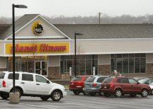Planet Fitness in the plaza.
